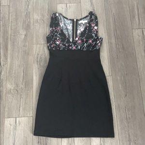 Sleeveless zipper back mini dress